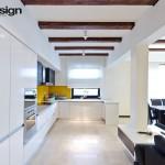 Design bucatarie alb cu galben